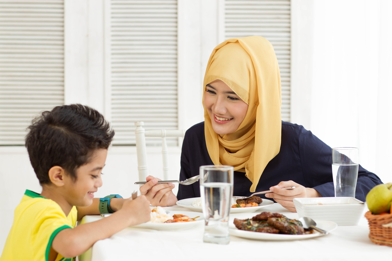 Si Kecil Pilih-Pilih Makanan? 4 Kiat Ajaib Ini Perlu Bunda Coba!