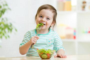 5 Cara Ini Bantu Si Kecil Suka Makan Sayur