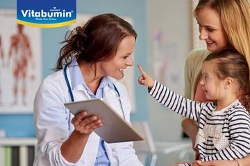 Dalam Memilihkan Dokter Langganan Untuk Si Kecil, Perhatikan 9 Tips Ini Ya Bunda!