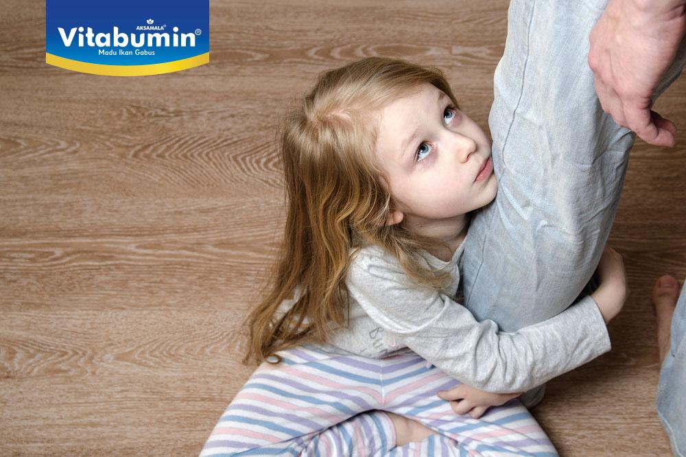 Cara Mengatasi Anak yang Suka Meminta dan Merengek