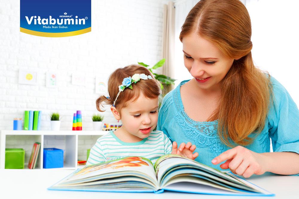 Sudah Siapkah Si Kecil Belajar Membaca? Kalau Belum Yuk Lakukan Pendekatan Agar Si Kecil Mau Belajar Membaca!