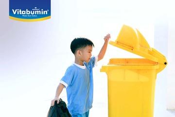 Membiasakan Si Kecil Membuang Sampah. Kira-Kira Harus Dimulai Dari Mana Ya?