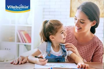 Belajar Menulis Huruf Dimulai Dengan Menjiplak Gambar. Bisa Dicoba Nih Bunda Untuk Si Kecil Usia 3-4 Tahun!