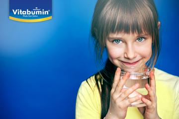 Mengapa Si Kecil Perlu Air Putih Yang Cukup? Ternyata Ini Jawabannya!